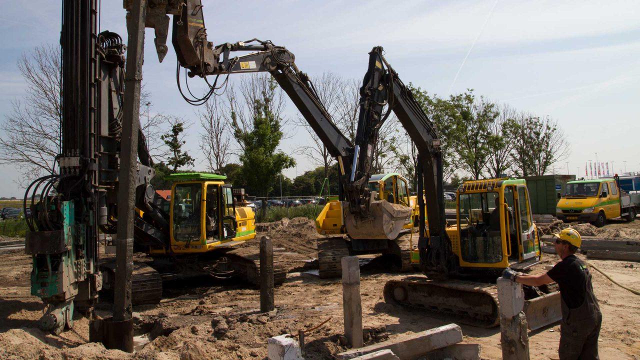 Prefab betonpaal verwijderen - Van Schie