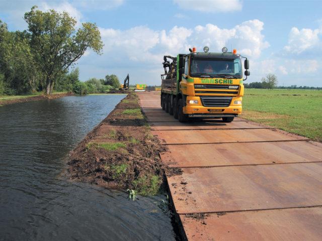 Van Schie_Grondwerk_transport_Watergang_Kamerik_web (1)